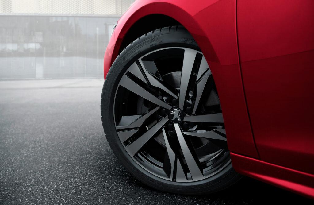 0E596C45 ADB9 4E95 9202 6C257B9FE2DE 1024x668 - Peugeot presenta el508First Edition