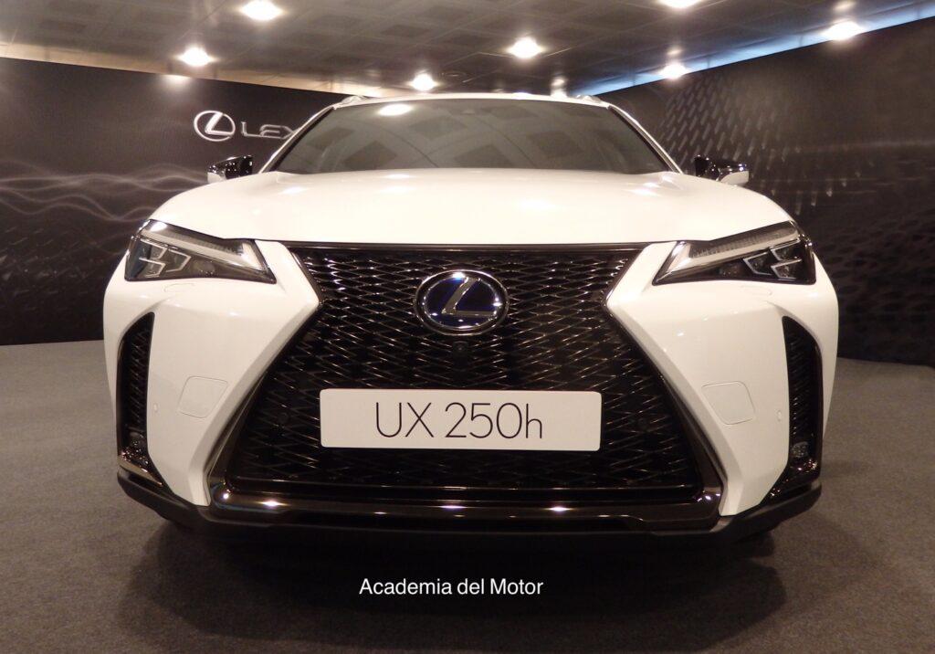 DF9D9E0A 23EA 4C9C B668 8EC7C69FA95A 1024x716 - Presentación del Lexus UX