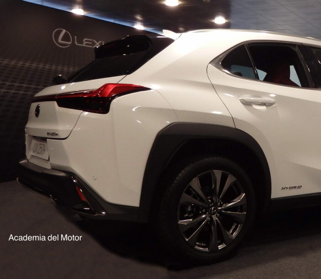 EC654A81 36F9 4586 9D13 78B27EA2427F 1024x890 - Presentación del Lexus UX