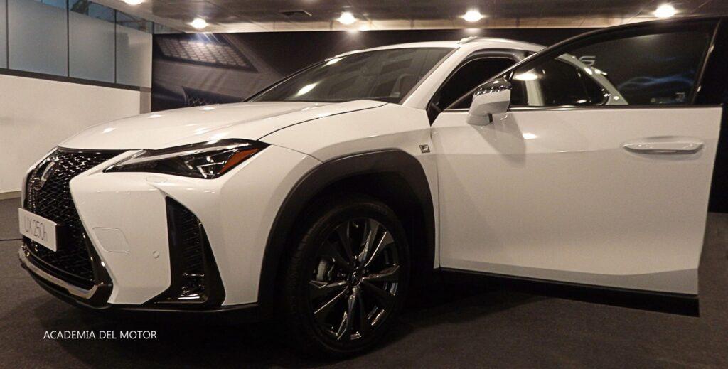 FD980900 7240 4D86 83D4 C89A14157F1E 1024x519 - Presentación del Lexus UX