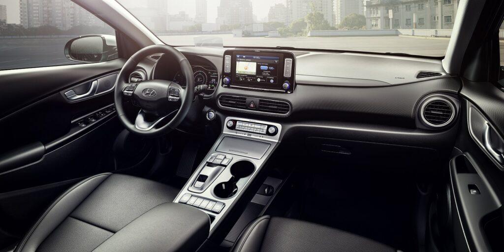 Kona Electric Interior 2 1024x512 - Hyundai anuncia novedades para el Kona eléctrico 2020