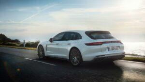 c3ec4bc3 ff88 45ca b812 e9d7c4f78de6 teaser original 720x1 5 300x169 - Porsche y Audi desarrollan una arquitectura conjunta para vehículos eléctricos