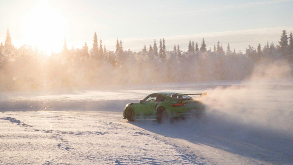 high 911 gt3 rs porsche experience finland 2018 porsche ag 1 1024x577 - Así se desenvuelve el Porsche 911 GT3 RS