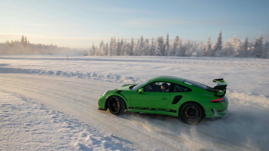 high 911 gt3 rs porsche experience finland 2018 porsche ag 2 1024x577 - Así se desenvuelve el Porsche 911 GT3 RS