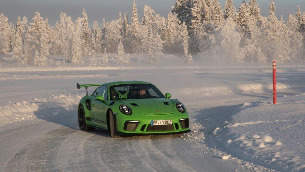 high 911 gt3 rs porsche experience finland 2018 porsche ag 5 1024x577 - Así se desenvuelve el Porsche 911 GT3 RS