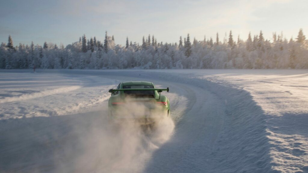 high 911 gt3 rs porsche experience finland 2018 porsche ag 6 1024x577 - Así se desenvuelve el Porsche 911 GT3 RS