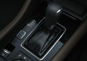08 NEW MAZDA6 DETAILS AUTOMATIC TRANSMISSION LHD 300x211 - Galería fotográfica del nuevo Mazda 6