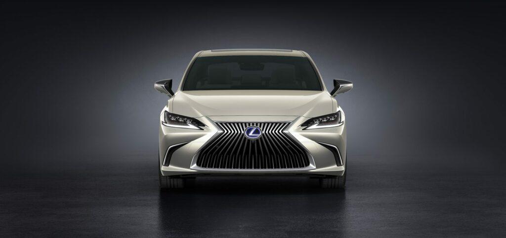 20180425 02 11 1024x483 - El nuevo Lexus ES llega a Europa