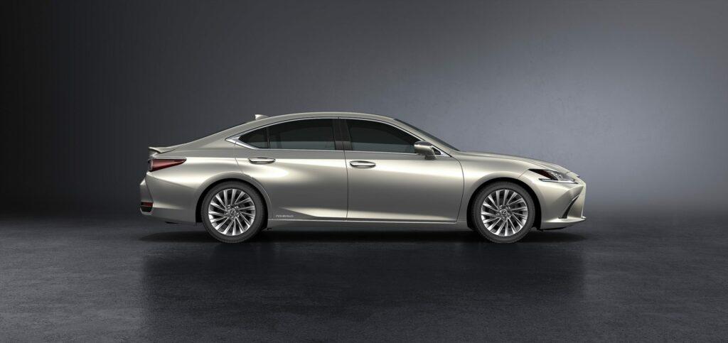 20180425 02 13 1024x483 - El nuevo Lexus ES llega a Europa