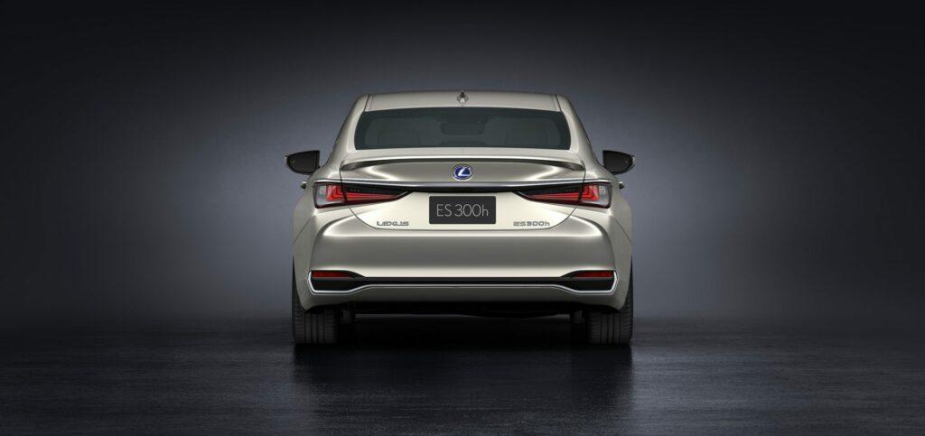 20180425 02 14 1024x483 - El nuevo Lexus ES llega a Europa