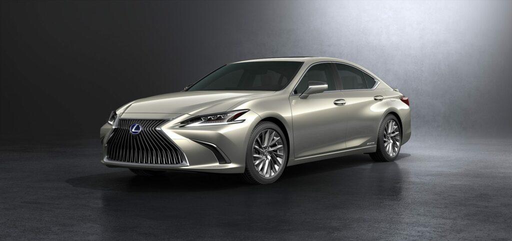 20180425 02 15 1024x483 - El nuevo Lexus ES llega a Europa