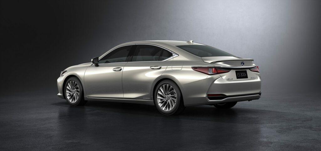 20180425 02 16 1024x483 - El nuevo Lexus ES llega a Europa