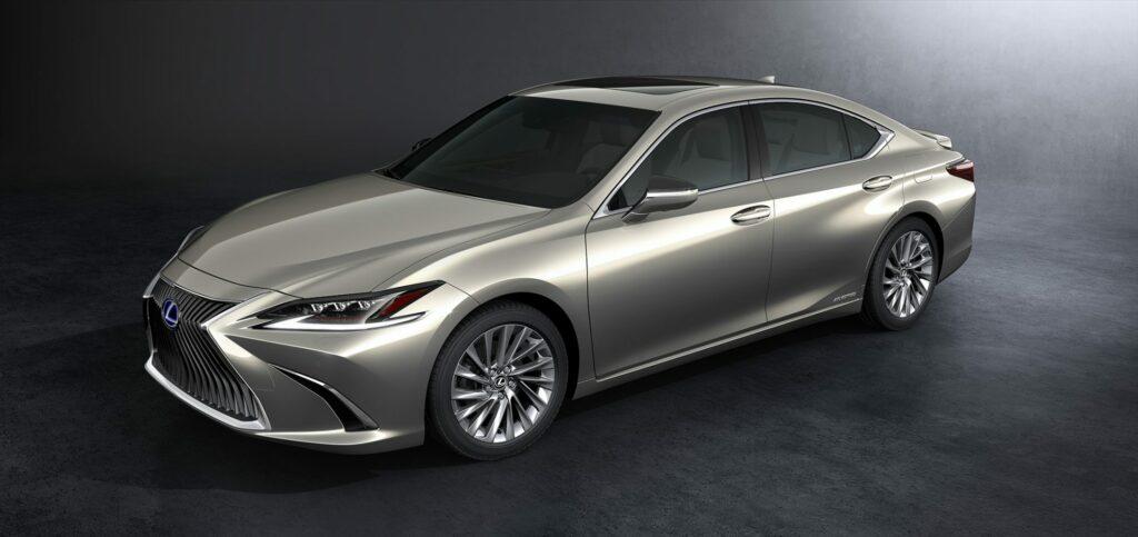20180425 02 17 1024x483 - El nuevo Lexus ES llega a Europa