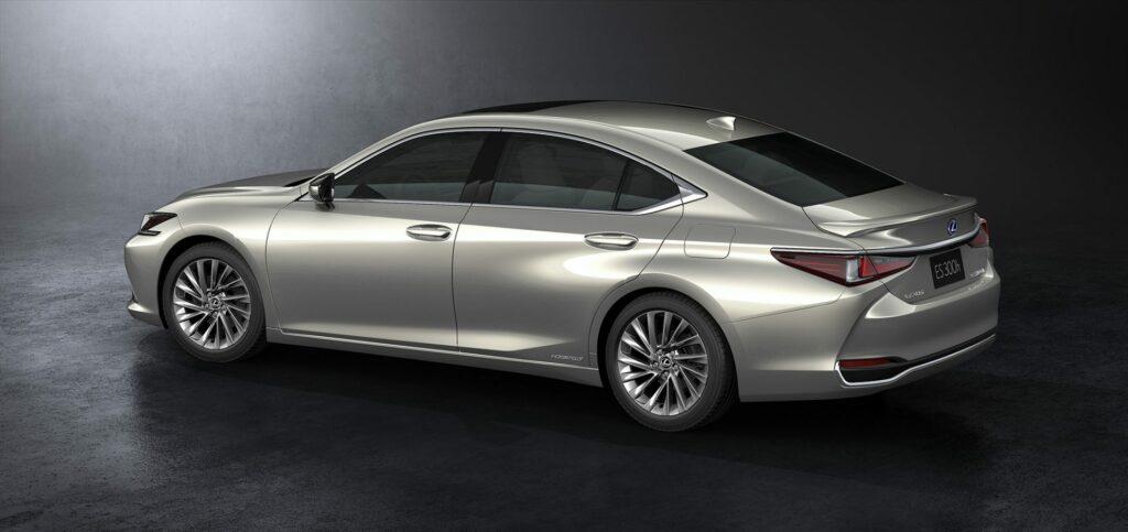 20180425 02 18 1024x483 - El nuevo Lexus ES llega a Europa