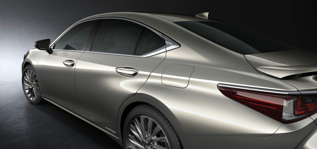 20180425 02 20 1024x483 - El nuevo Lexus ES llega a Europa