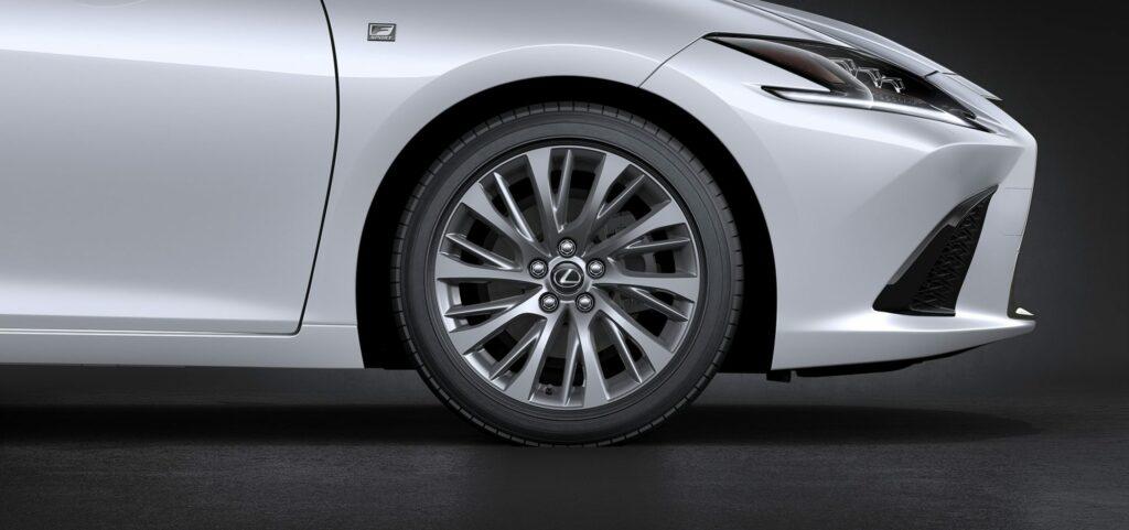 20180425 02 47 1024x481 - El nuevo Lexus ES llega a Europa