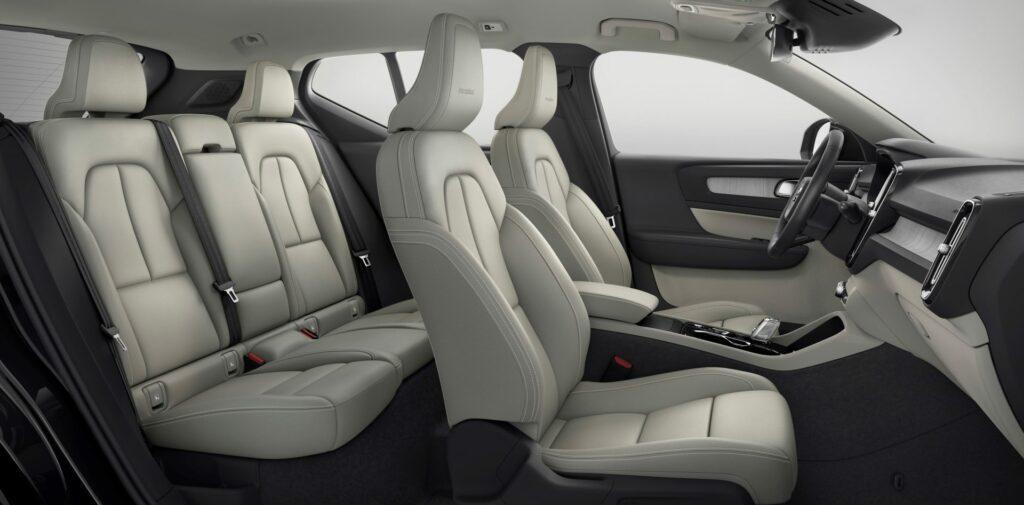 912C79C9 1988 43D6 8879 7657FE8AF1B0 1024x505 - Galería del coche del año en Europa: Volvo XC40