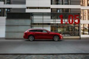 NEW MAZDA6 ACTION WGN 4 300x200 - Galería fotográfica del nuevo Mazda 6