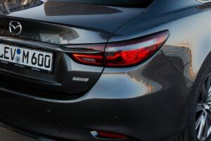 NEW MAZDA6 Detail 1 300x200 - Galería fotográfica del nuevo Mazda 6