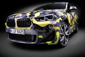 P90297905 highRes the new bmw x2 with  300x200 - BMW X2 disponible con camuflaje digital