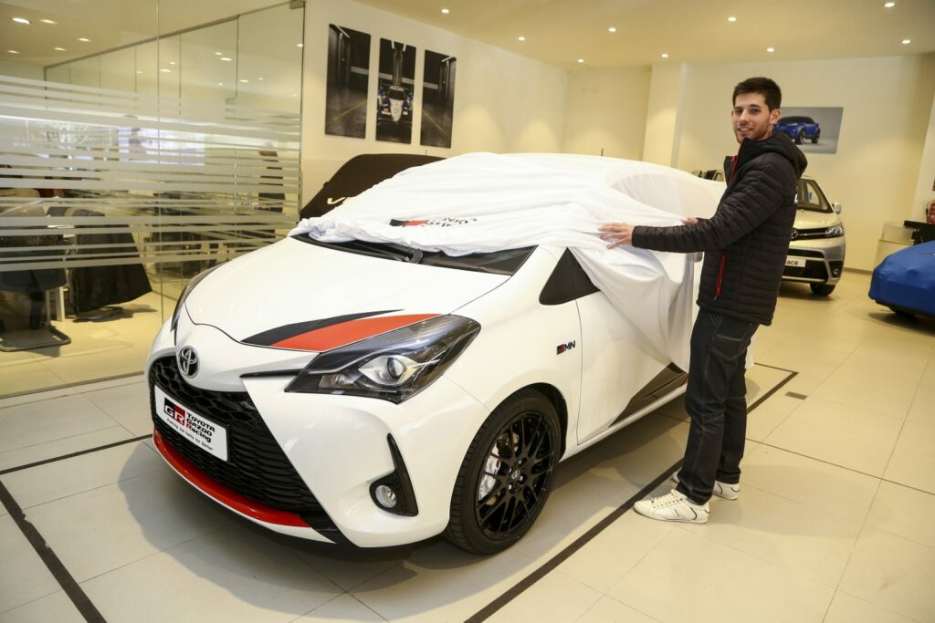 yarisgrmn entrega12 1024x683 - Toyota entrega 5 unidades del Yaris GRMN en España