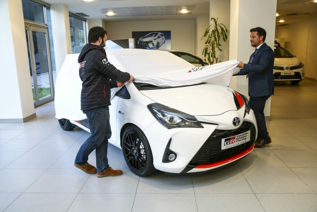 yarisgrmn entrega20 1024x683 - Toyota entrega 5 unidades del Yaris GRMN en España