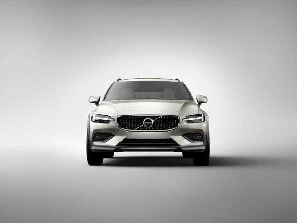 238210 New Volvo V60 Cross Country exterior 1024x768 - Nuevo Volvo V60 Cross Country