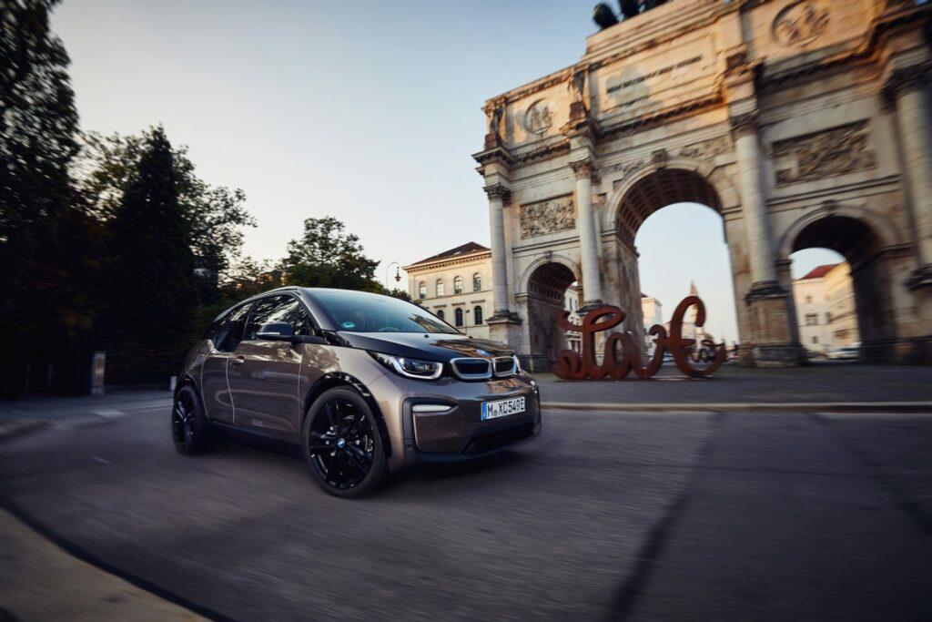 P90320640 highRes the bmw i3 120 ah 09 1024x683 - BMW retoca el i3: más batería y personalización