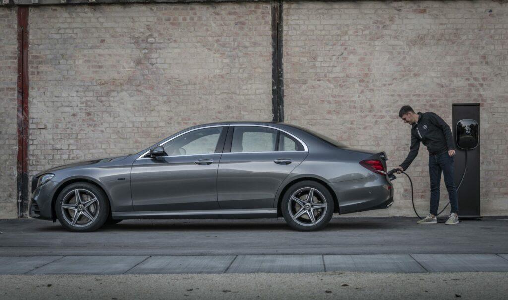 18C0838 130 1024x606 - Mercedes anuncia la electrificación de su gama