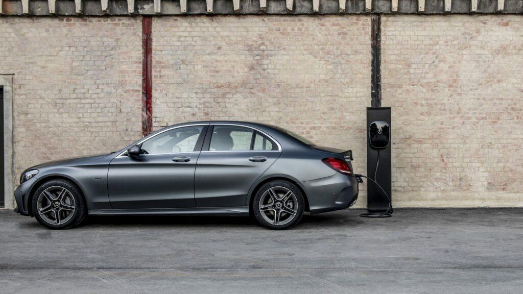 18C0838 303 1024x576 - Mercedes anuncia la electrificación de su gama