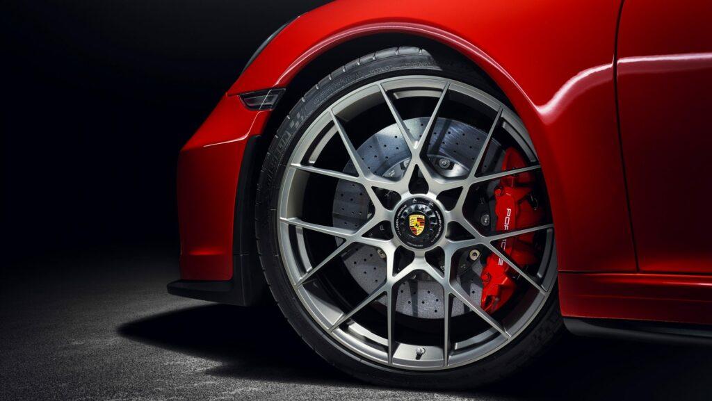 29E062FB 95F2 43DB BA6E 5D5EA1A5A660 1024x577 - El Porsche 911 Speedster será producido