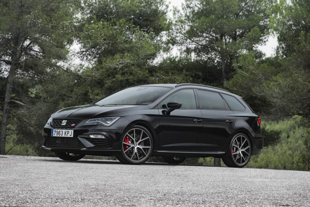 """CUPRA Black Carbon 002 HQ 1024x683 - Nueva versión """"Black Carbon"""" para el Seat León ST Cupra"""