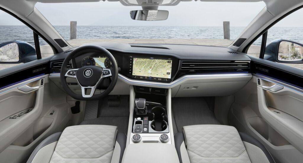 "thumbnail 1 1024x550 - Así es el ""Innovision Cockpit"" del VW Touareg"
