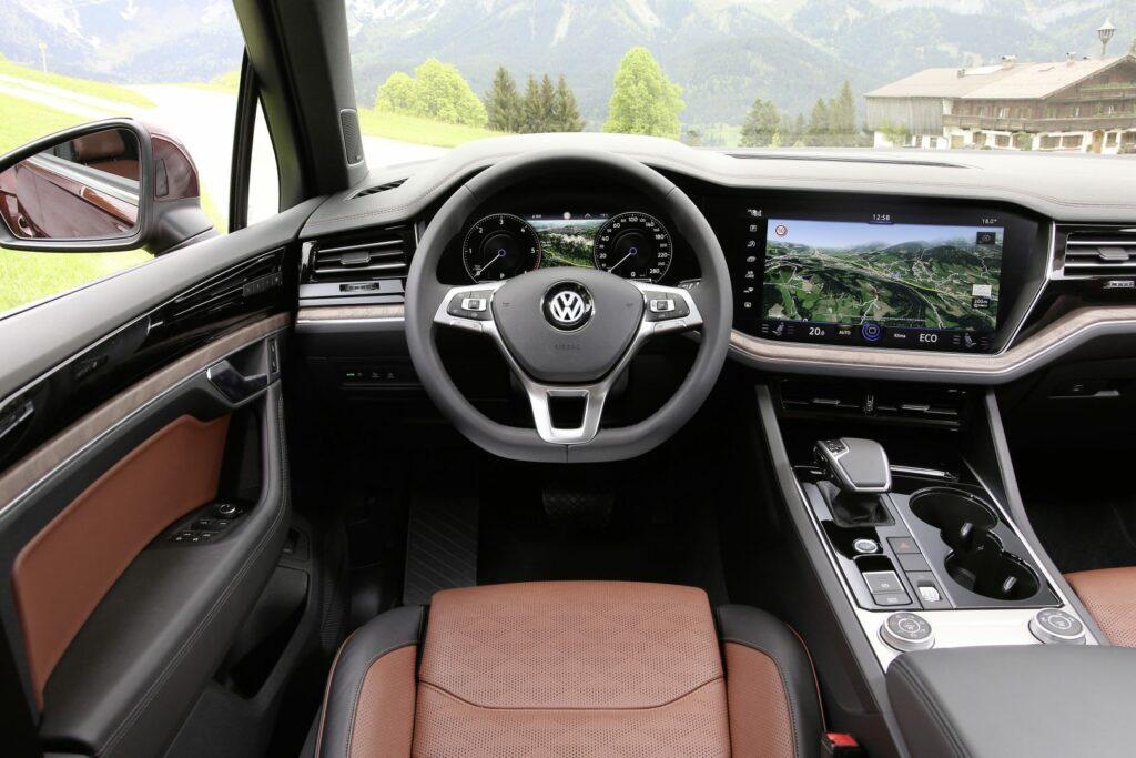 "thumbnail 1024x683 - Así es el ""Innovision Cockpit"" del VW Touareg"