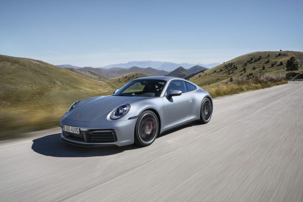 P18 0830 a5 rgb 1024x683 - Presentado el nuevo Porsche 911