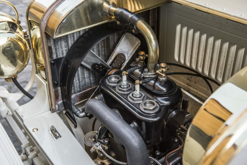 el museo koda presenta el unico modelo superviviente del coche deportivo laurin klement bsc de 1908 2 1024x684 - Laurin & Klement BSC: el primer deportivo de Skoda