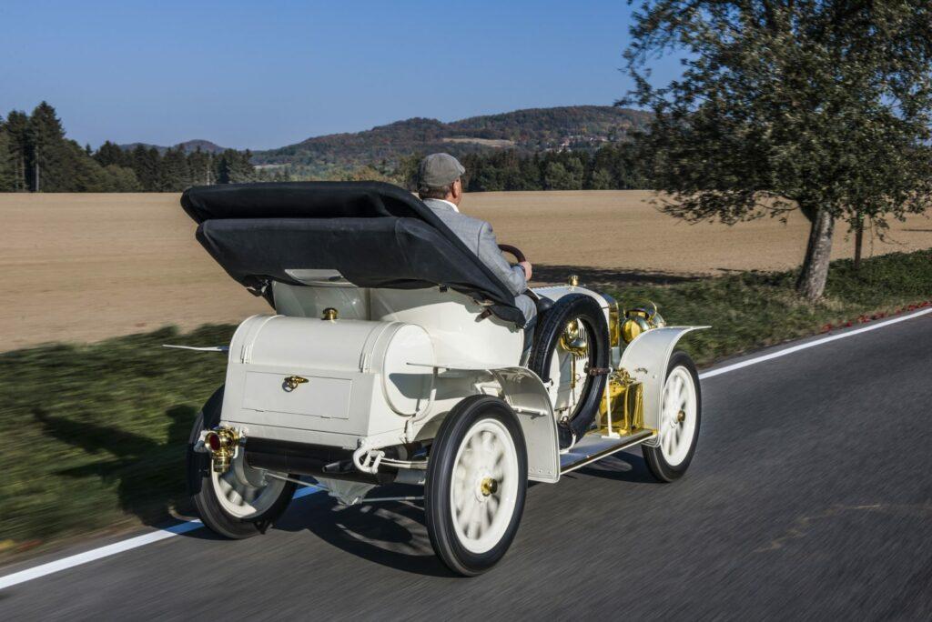 el museo koda presenta el unico modelo superviviente del coche deportivo laurin klement bsc de 1908 3 1024x684 - Laurin & Klement BSC: el primer deportivo de Skoda