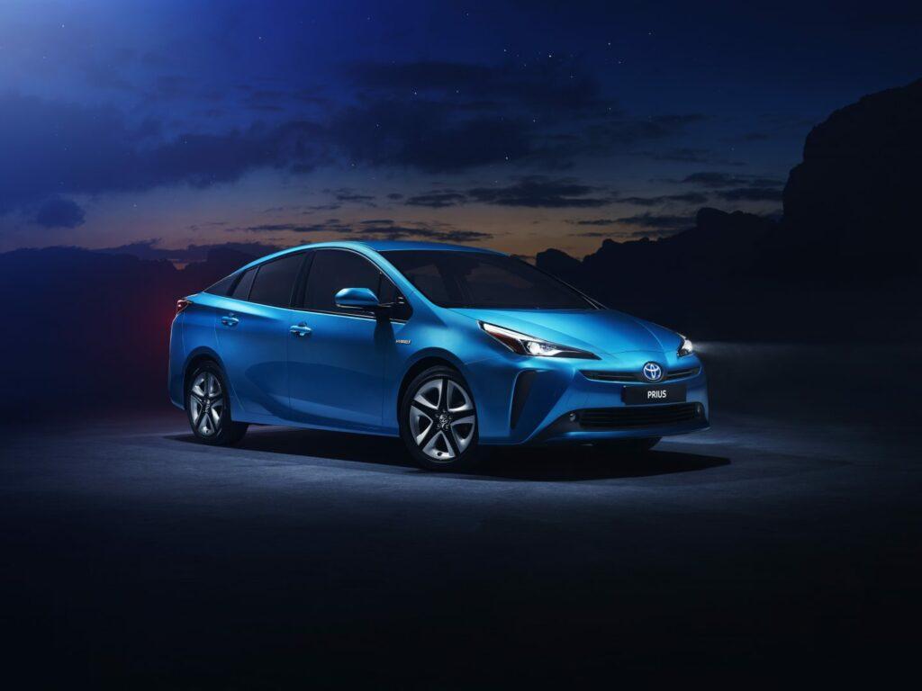 prius 1 v08 rgb 230986 1024x768 - Nuevo Toyota Prius 2019: nueva versión con tracción total