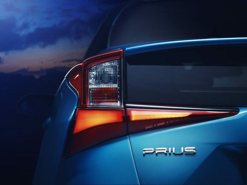prius 4 v07 rgb 580874 1024x768 - Nuevo Toyota Prius 2019: nueva versión con tracción total