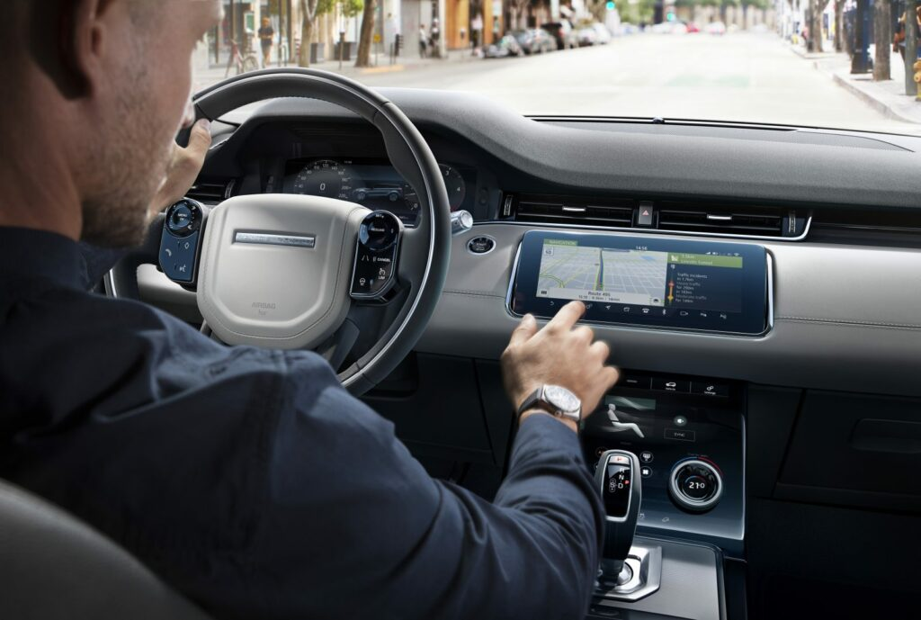 rrevq20myinfotainments4422111803 1024x689 - Nuevo Range Rover Evoque 2019