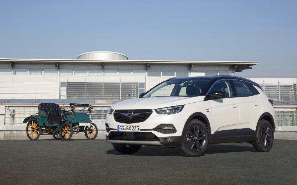16254AC0 B92E 4003 B052 170B29541BB6 1024x640 - Opel celebra en 2019 su 120 aniversario con una edición especial para toda la gama