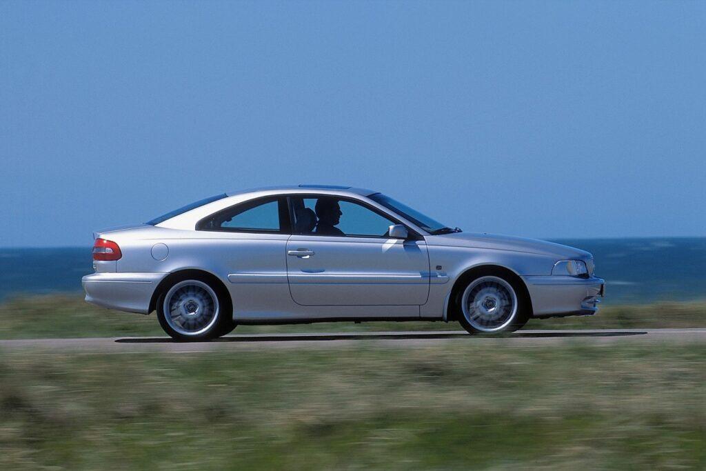 1D3C23F4 03E3 4201 B89B 75F7CBB2BC07 1024x683 - Volvo C70 (1996-2005): un próximo clásico
