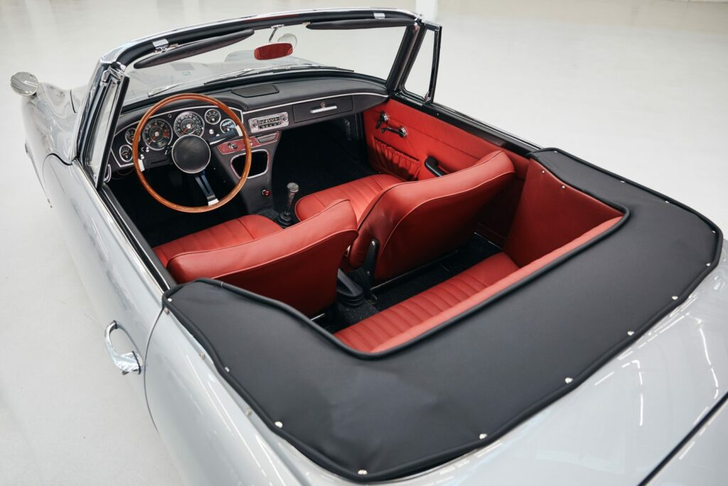 7B021BCD A09A 4553 BBE1 17482BEEA2F1 1024x683 - BMW recupera un modelo único: 1600 GT Convertible