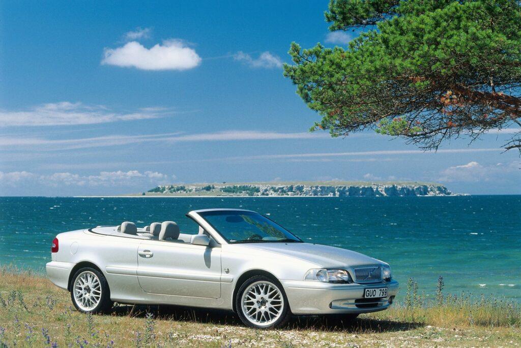 CC7111EF 3E8D 4E8B 8327 4DFE339E2691 1024x683 - Volvo C70 (1996-2005): un próximo clásico