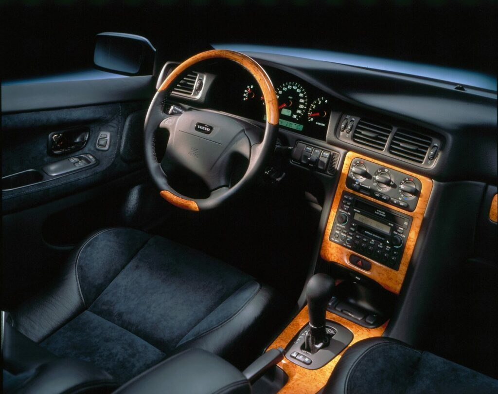 F9325A8C 93F4 4486 BFD0 FFDE242E0D3C 1024x809 - Volvo C70 (1996-2005): un próximo clásico