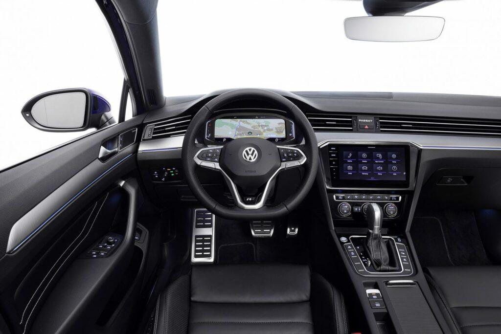 DB2019AU00088 medium 1024x683 - Volkswagen renueva el Passat centrado en la tecnología y la conducción autónoma