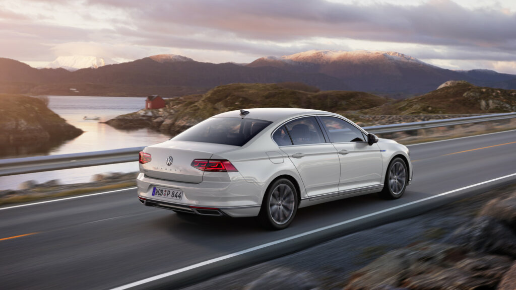 DB2019AU00143 medium 1024x576 - Volkswagen renueva el Passat centrado en la tecnología y la conducción autónoma